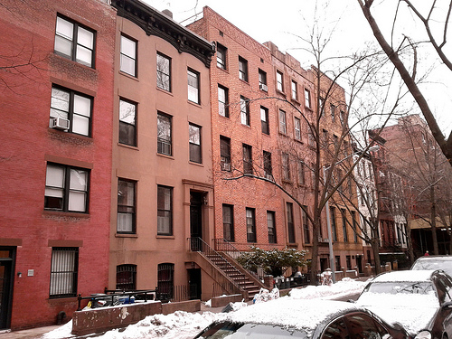 /blog/entries/2011/01/08/photo_tour_of_brooklyn_heights/row-houses-a0d97e202133.min.jpg